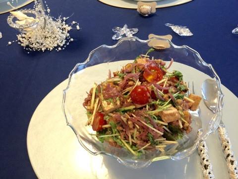 女性の美と健康の強〜〜い味方 【タカキビ】入りのサラダです。