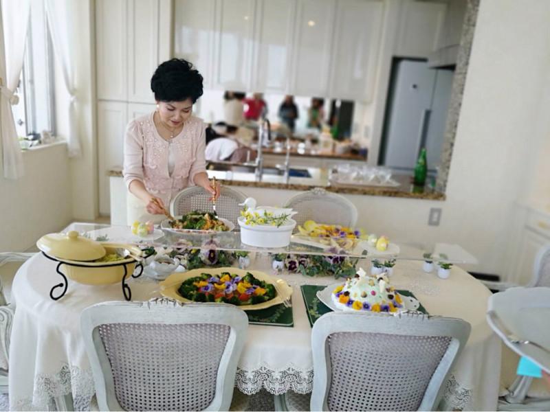 全てのお料理がテーブルへ.... やはり春ですね〜〜