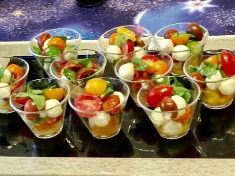 ✨ポップなカップレーゼ チェリーモツァレラ&彩り豊かなミニトマトで カラフルに