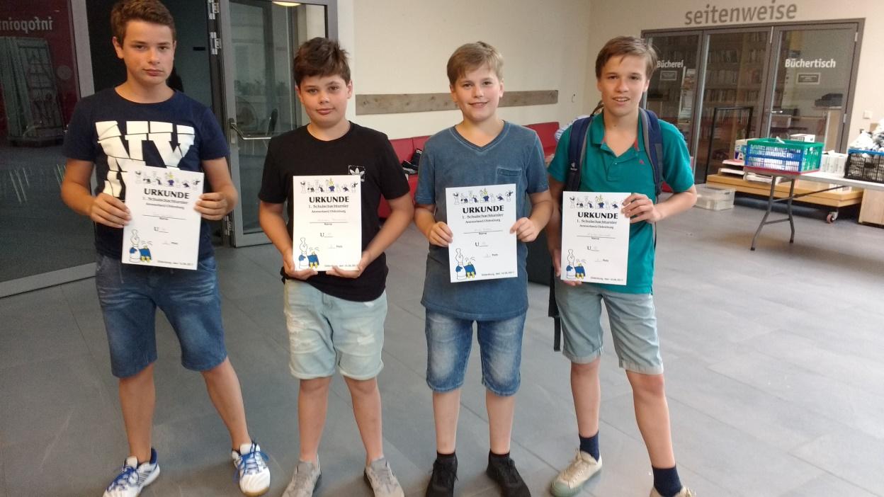 Tom Schröder 7b (5. Platz), Andreas Yaroschek 7b (2. Platz), Nick Röder 7b (3. Platz), Nikita Schneider (Gymnasium BZ)