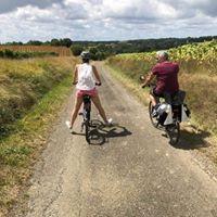 La maison d'Hôtes Lassenat propose différents séjours, gourmand, découverte des vins des Côtes de Gascogne, découverte du Gers en vélo électrique, ou séjour détente avec massage bien-être.