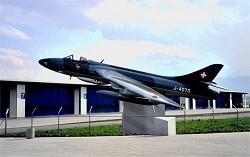 Hunter J-4070, beim Flugplatz Emmen (Patrouille Suisse Homebase) (Foto: Hans-Ruedi Maibach)