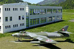 Hunter J-4018 aufgestellt Flugplatz Interlaken (Foto :Urs Stoller)