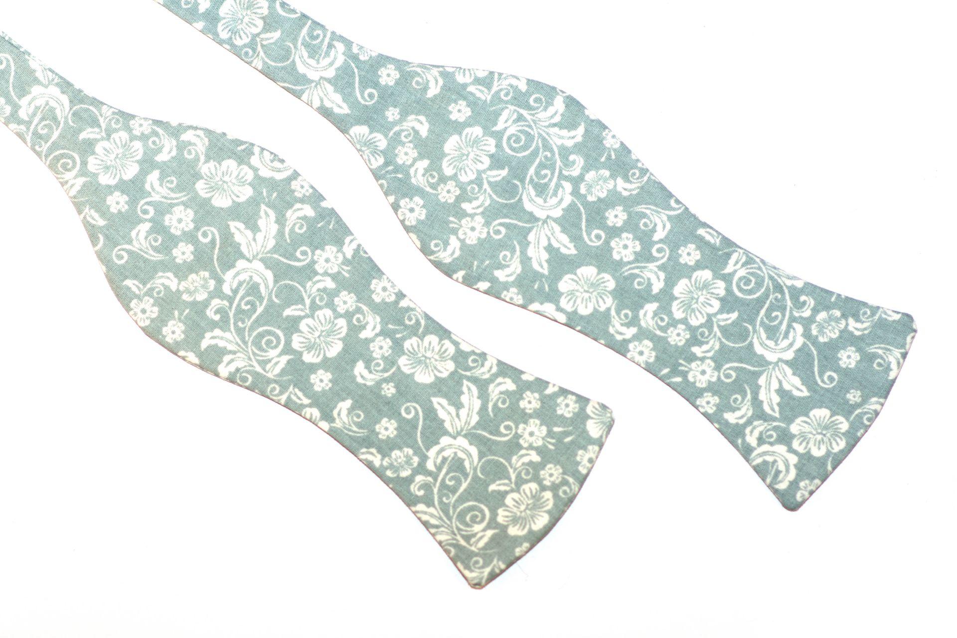 Herren Anzug Schleife grau blaues Blumenmuster zum selberbinden – Selbstbinder
