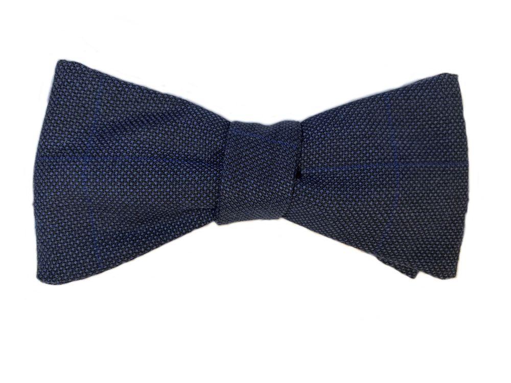 Fliege blau Querbinder mit Muster
