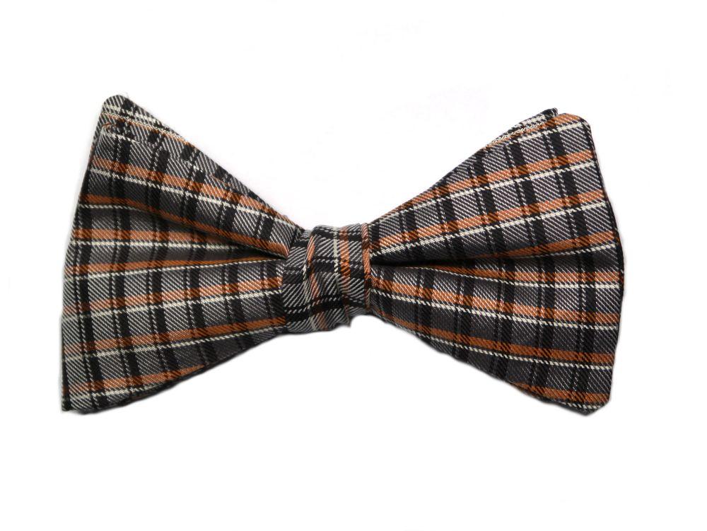 Herren Anzug Fliege zum selberbinden – Selbstbinder braun orange karo Muster aus Seide