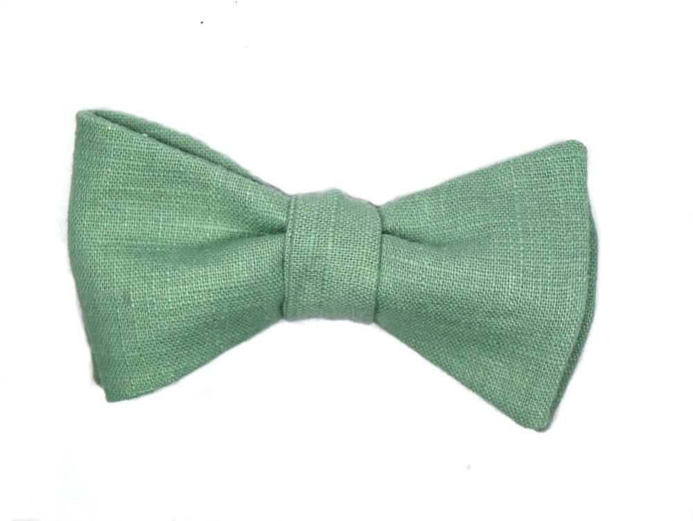 Herren Anzug Schleife aus grünem Leinenzum selberbinden – Selbstbinder