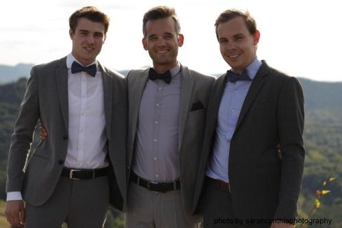 Herren Anzug Fliege zum selbstbinden in schwarz lila  grauer anzug elegant- Schleife - hochzeitsfliege