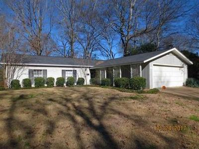 Open plan, fireplace and screened porch under $120,000! 1526 Sheffield, NE Jackson