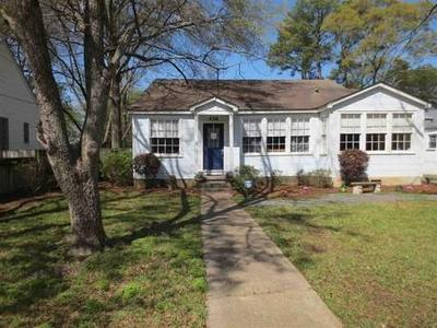 Beautiful Fondren cottage with lots of light! 438 Downing St. Jackson