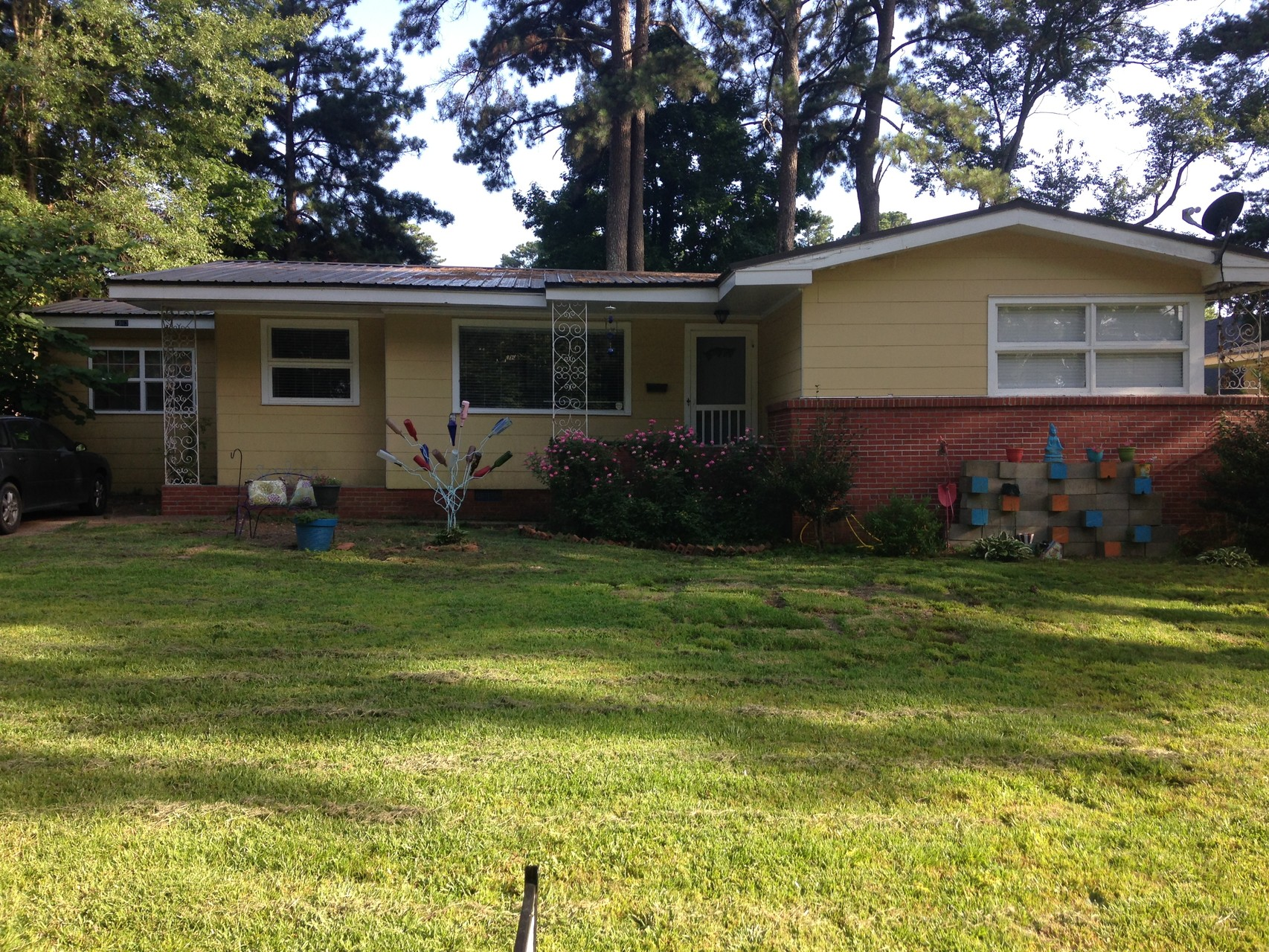**SOLD**Nice kitchen and under $125,000! 1063 Parkwood Place- Fondren