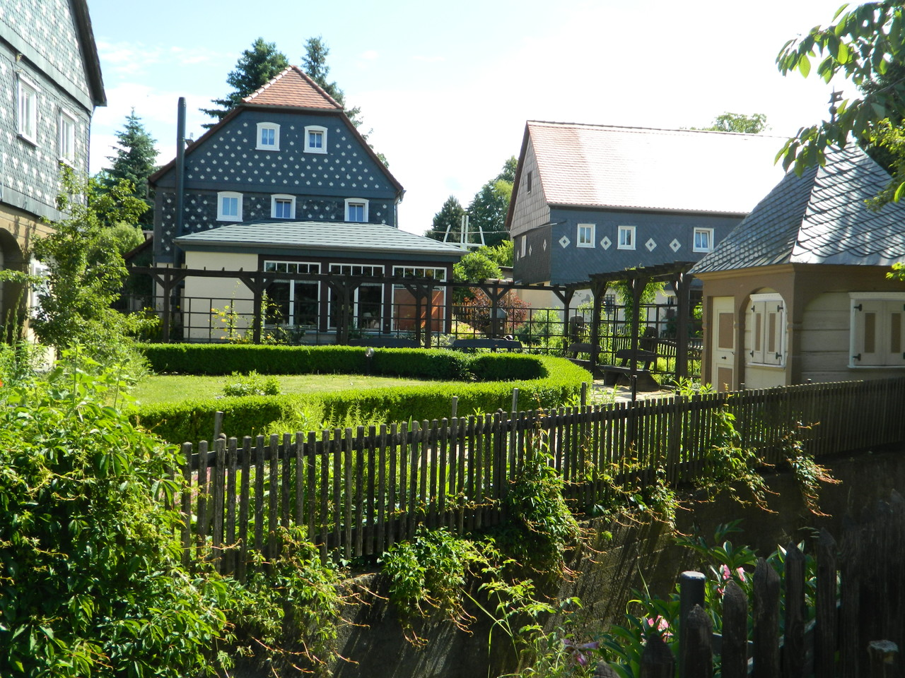 Ein Häuserensemble in Obercunnersdorf