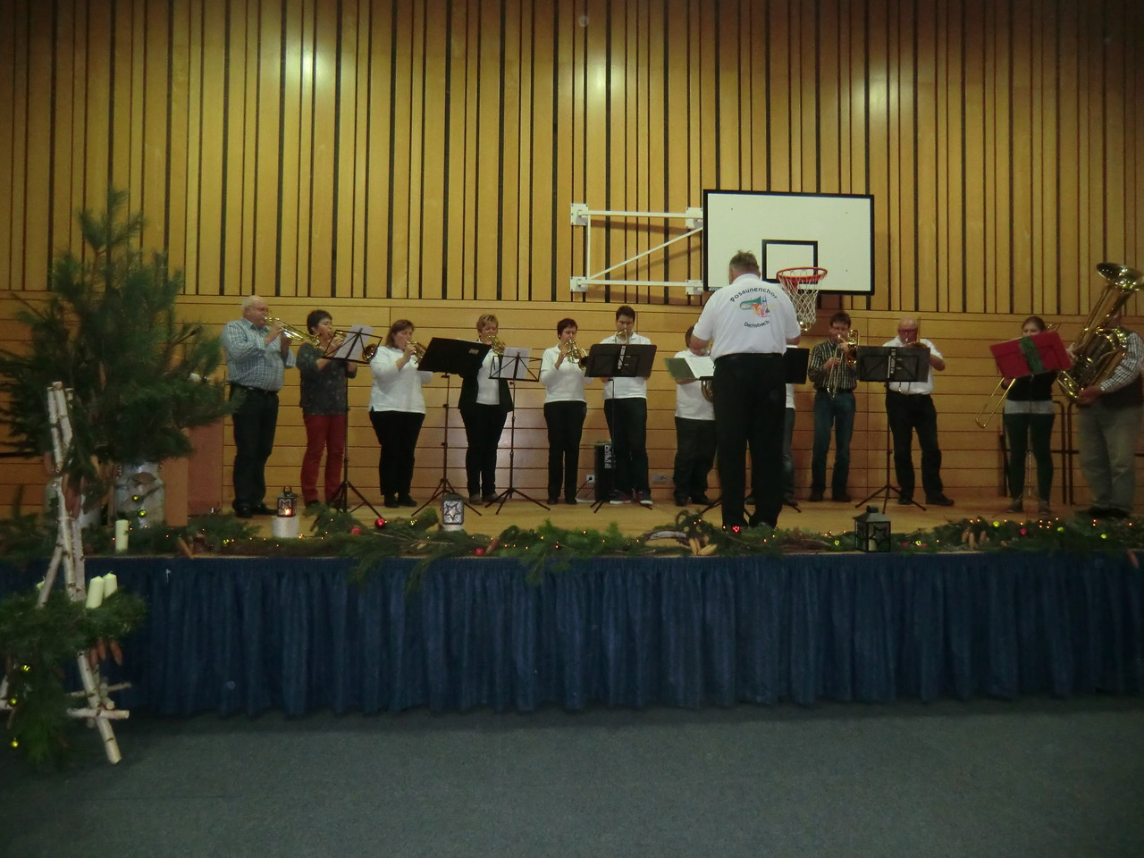Der Posaunenchor Dachsbach unter der Leitung von Lorenz Mechs