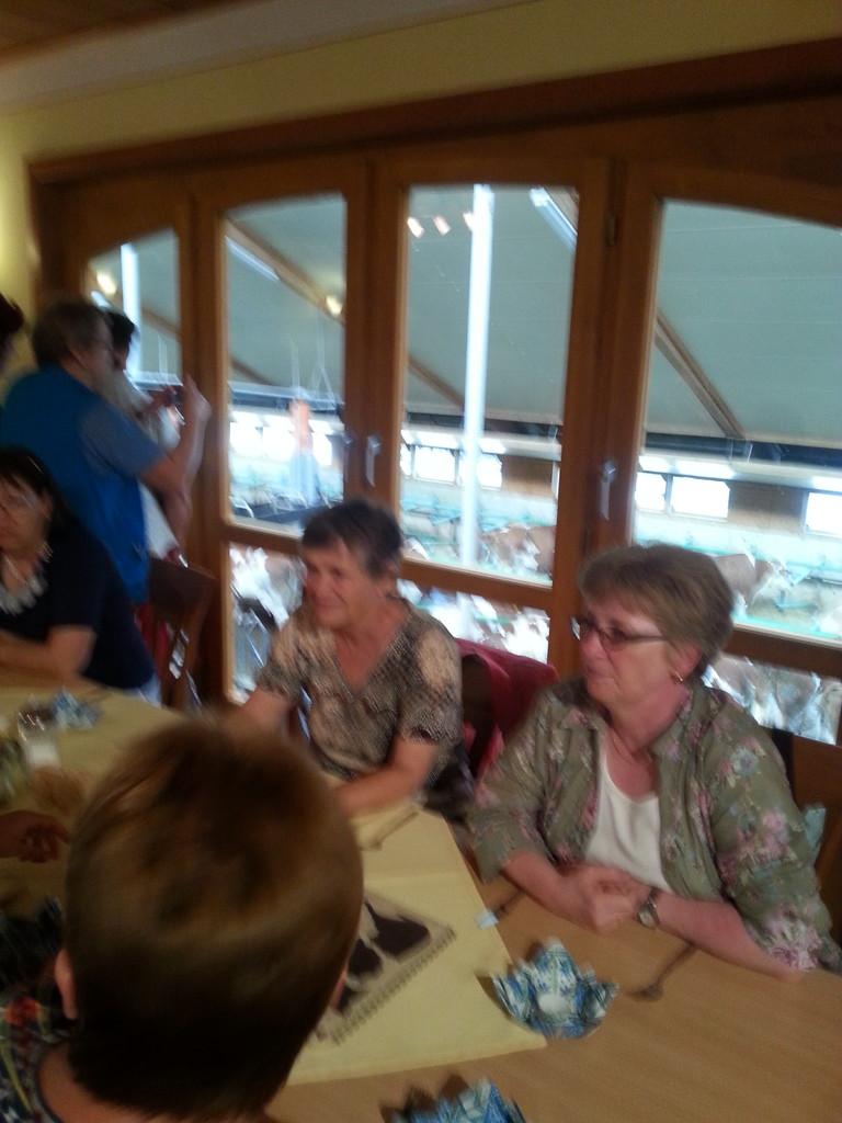 Blick vom Restaurant in den Kuhstall