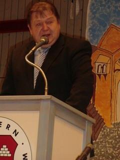 Hausherr Bürgermeister Frank Müller heißt uns willkommen