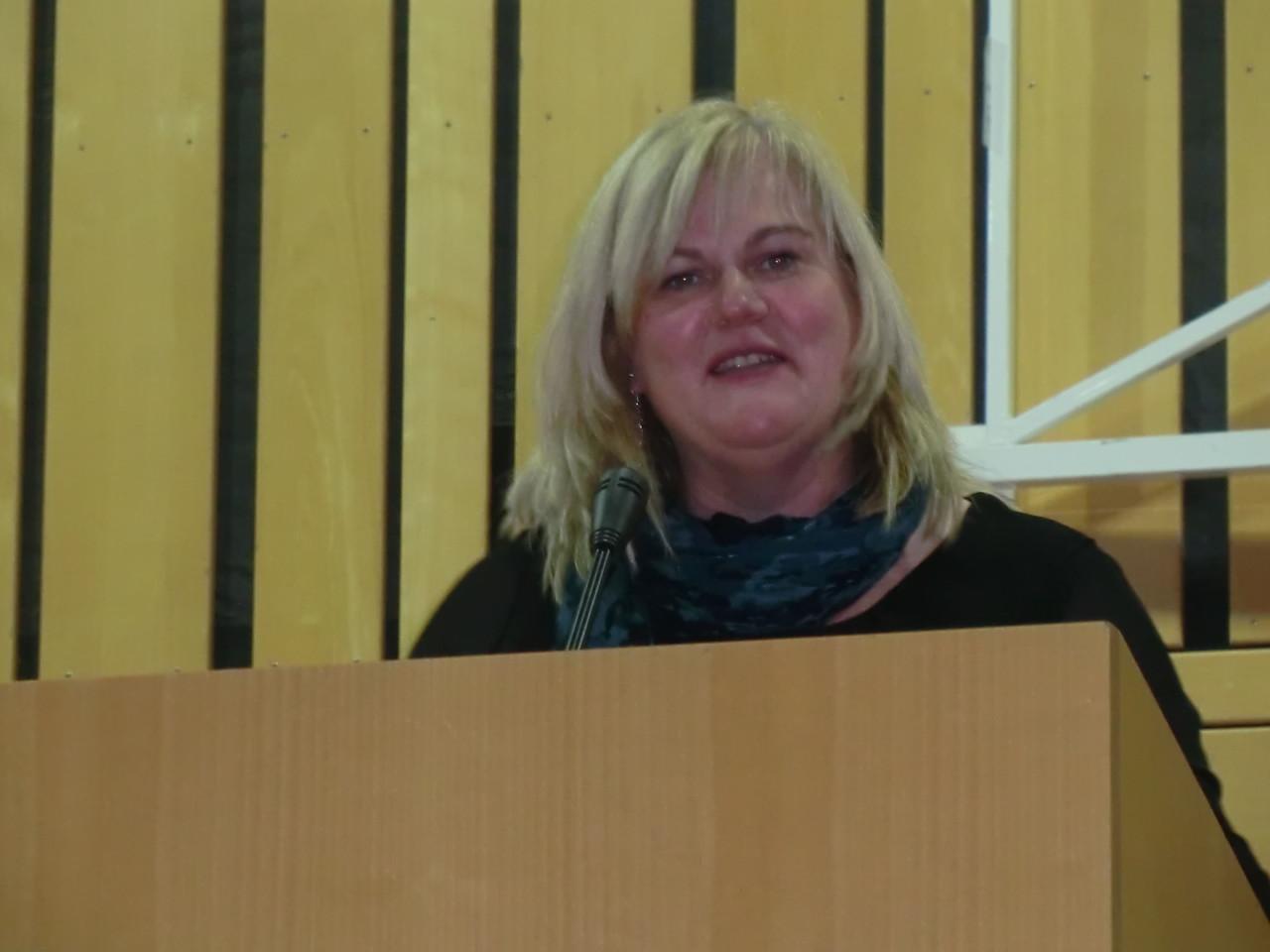 Unsere Bezirksbäuerin Christine Reitelshöfer liest uns ein oberpfälzisches Gedicht