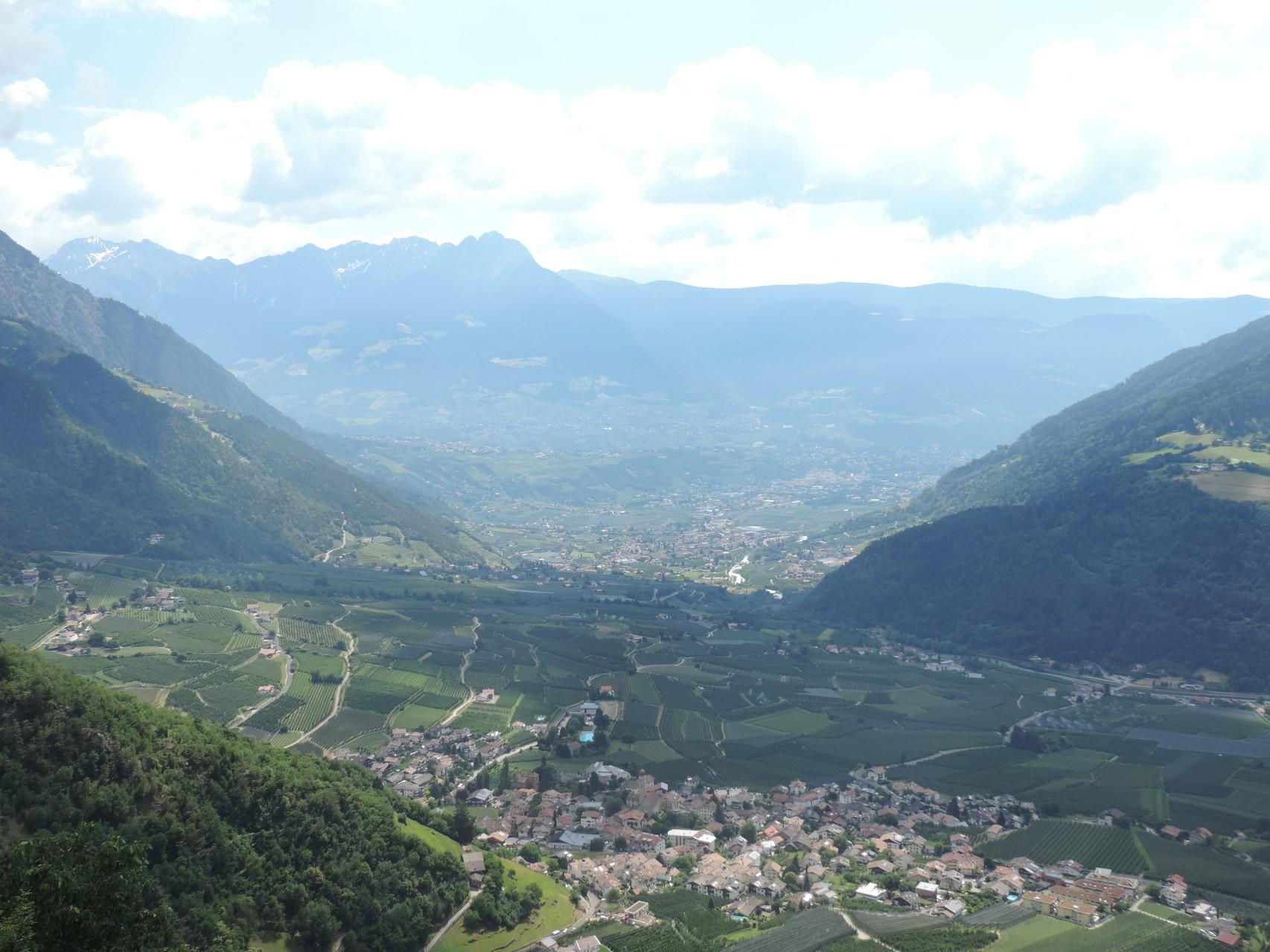 Blick vom Dursterhof ins Vinschgau