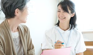 クリニックの看護師と他職種の関わり方