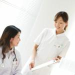 シフトを終える看護師と始める看護師を紹介