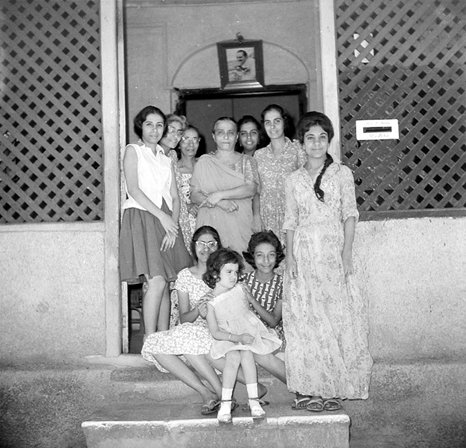 Perin and other members of Baba's family in Baba's house in Poona between April and June, 1969. Courtesy of  Sriramamoorthy Collection & AMBCCPT.