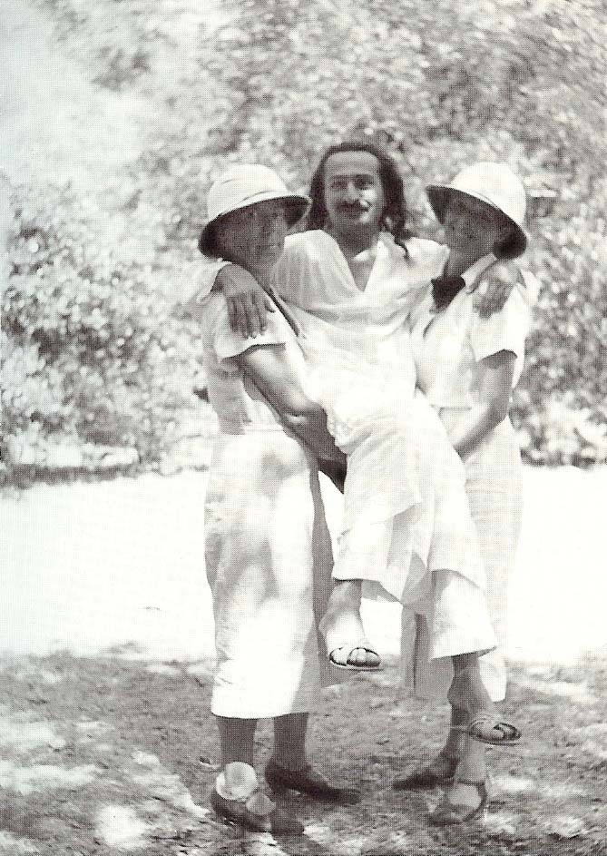 Courtesy of Lord Meher, Vol 6-7 : Bhau Kalchuri - Kitty (L) & Maragret Craske (R) carrying Baba during a picnic at Trimbak , India 1937