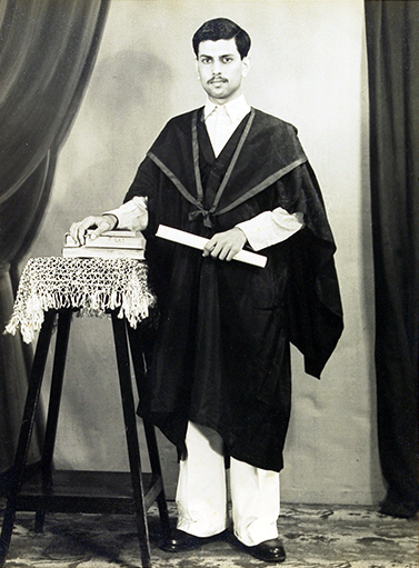 Meherwan Jessawala, graduation photo. Courtesy of the Jessawala Collection - AMB Archives, Meherabad, India.