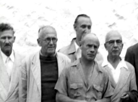 India 1954 ;( l - r ) Frank Hendricks, Charles Purdom, Phillippe, Francis Brabazon, Ben Hayman