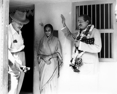 Sakori ; 20th September, 1954 - Joseph Harb with Meher Baba and Godavri Mai. Trimmed image of photo in Lord Meher p.4476