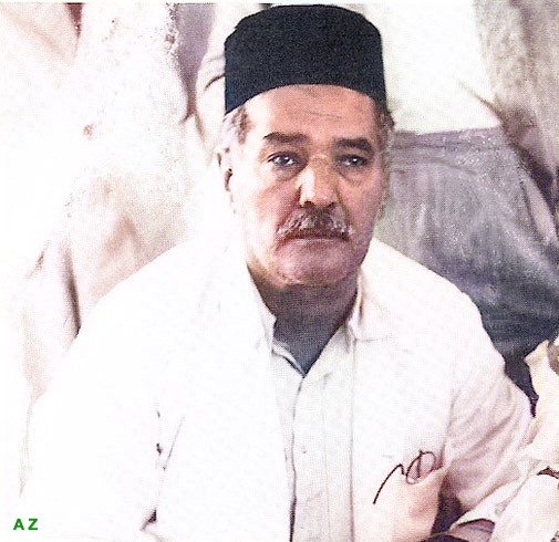 Trimmed image. Courtesy of Lord Meher, Vol.6-7 : Image colourized by Anthony Zois.