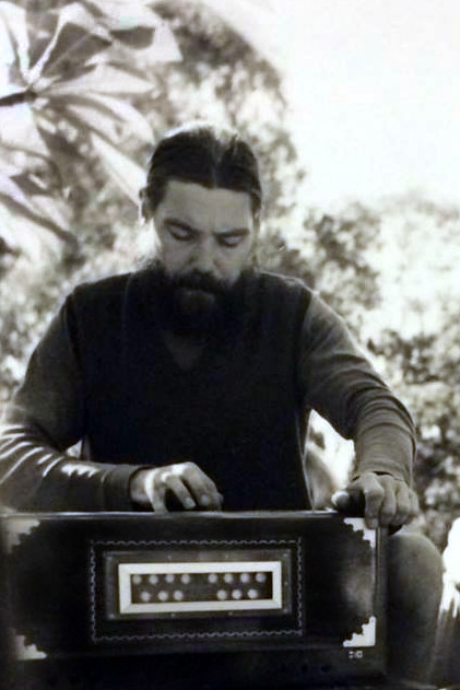 Richard on harmonium at Avatar's Abode, Queensland ( cropped ) - 1971 ; Courtesy of Rainy Day Designs