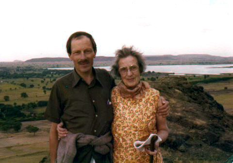 Courtesy of Kelvin & Jill Hobbs - Hilda with her son Anthony on top of Seclusion Hill, India