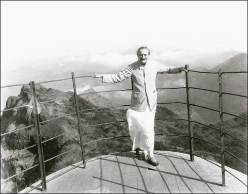 May 1954, Arthur's Seat, Mahabaleshwar, India - photo taken by Jangoo Irani - years later this lookout collapsed.