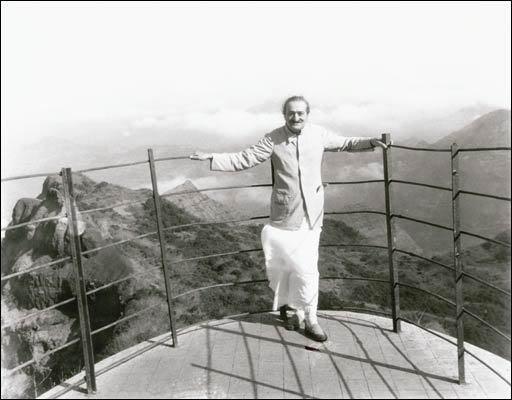 May 1954, Arthur's Seat, Mahabaleshwar, India - photo taken by Jangoo Irani - years later this lookout collapsed.