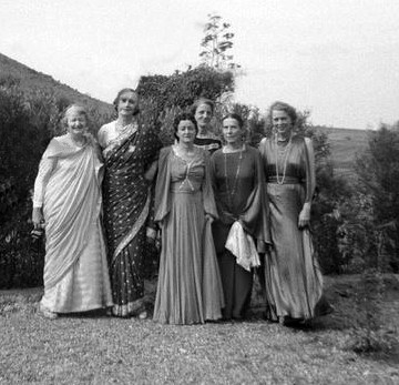 Nasik 1933 - Left to right: Elizabeth Patterson, Norina Matchabelli, Delia De Leon, Rano Gayley, Kitty Davy, Jean Adriel ; courtesy of MSI Collection