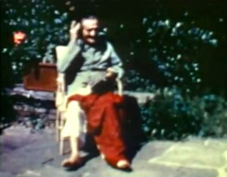 1952 ; Meher Baba recuperating after his car accident.