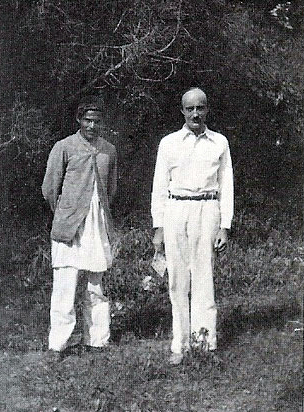 1928 : Meredith Starr with Jal S. Irani ( Baba's brother ) at Toka, INdia. Courtesy of LM p. 1065