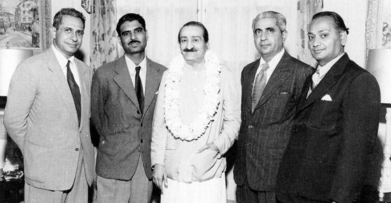 1956 - Washington : ( L-R ) Meherjee Karkaria, Eruch Jessawala, Meher Baba, Adi K. Irani, Nilu Godse