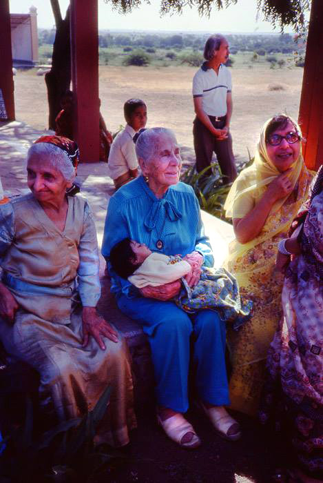 U. Meherabad, India ; India ( L-R ) Banumasi Kerawala, Kitty Davy, and Mehroo Bilamoria-1984; Courtesy of Anne Giles