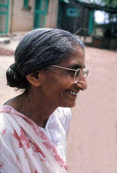 Mid-1970s ; Mansari at Upper Meherabad near her quarters ; Photographed by Anne Giles