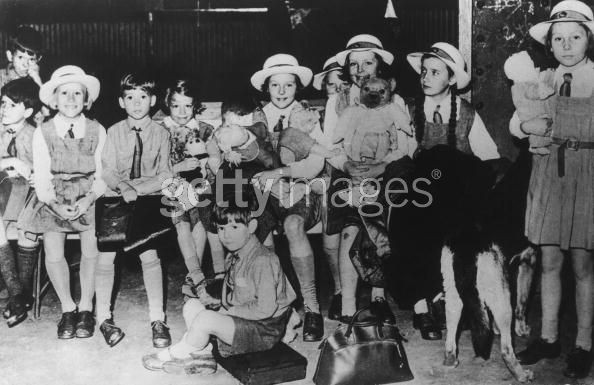 Pupils of Penbury Grove School arrive in Canada, having been evacuated from England during World War II, 15th July 1940