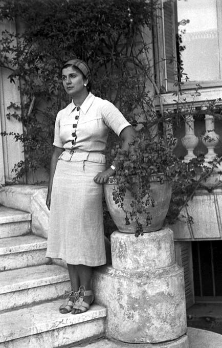 1937 Cannes, France ; Photo taken by Hedi Mertens