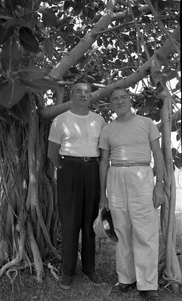 India - Sept.1954 :  John standing with  Frank  Eaton      ( Courtesy of Meher Nazar )