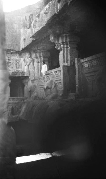 MSI Collection ; Meher Baba in the Temple in the late 1930s