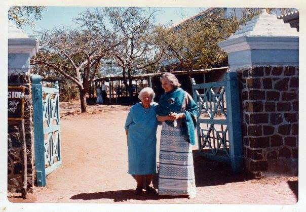 Jane with Elizabeth Patterson at Upper Meherabad, India