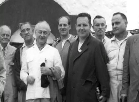 India - 1954 ; ( l - r ) Will Backett, John Bass, Alexander Markey, Darwin Shaw, Lud Dimpfi, Frank Eaton, Fred frey