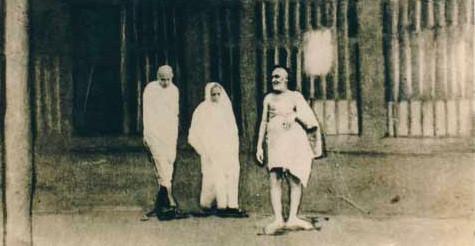 Photo shows Upasni with Mahatma Gandhi