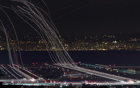 Time lapse plane landing