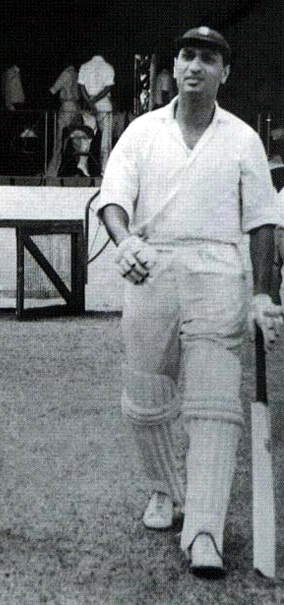 1962 India tour to West Indies ; Polly-Umrigar walking to the crease