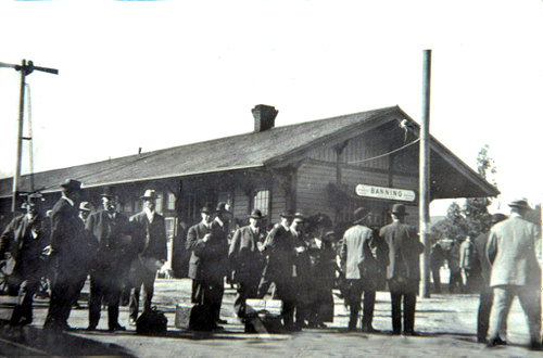 Southern Pacific Railroad depot and passengers in Banning, California