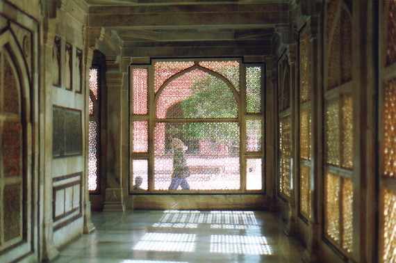 Salim Christi's Tomb - inside passage view daytime